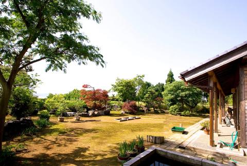 縁遊館庭園